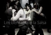 Couples de danseurs lors d'une soirée Salsa.